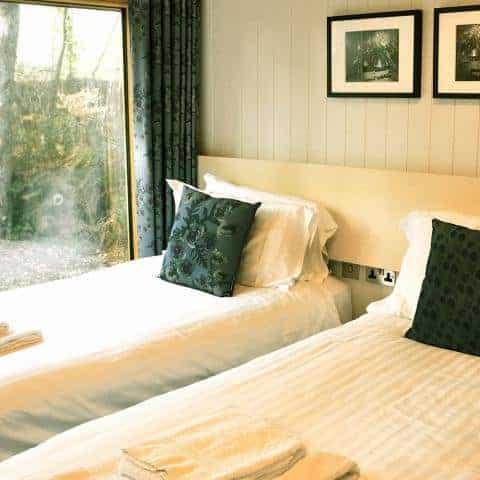 Burnbake Forest Lodges Twin Bedroom2 0