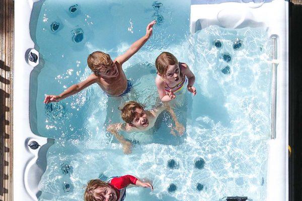 burnbake-hot-tub-family-holidays