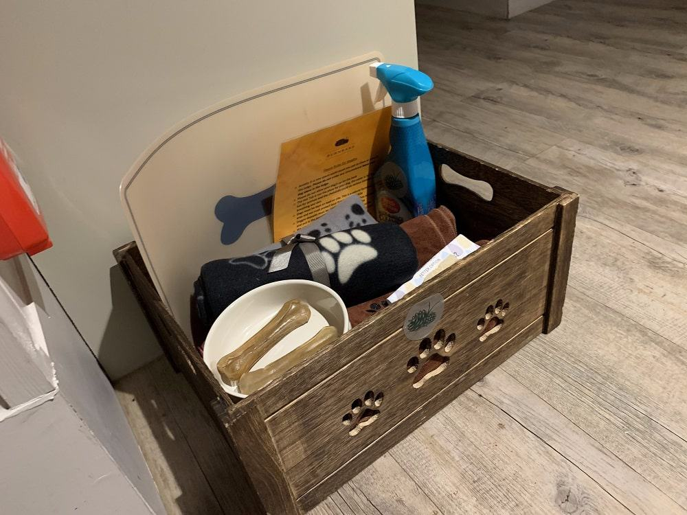Doggy welcome box
